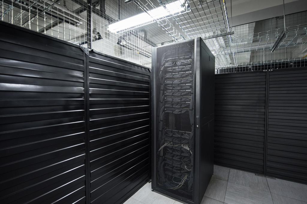 Коммуникационные шкафы, KVM